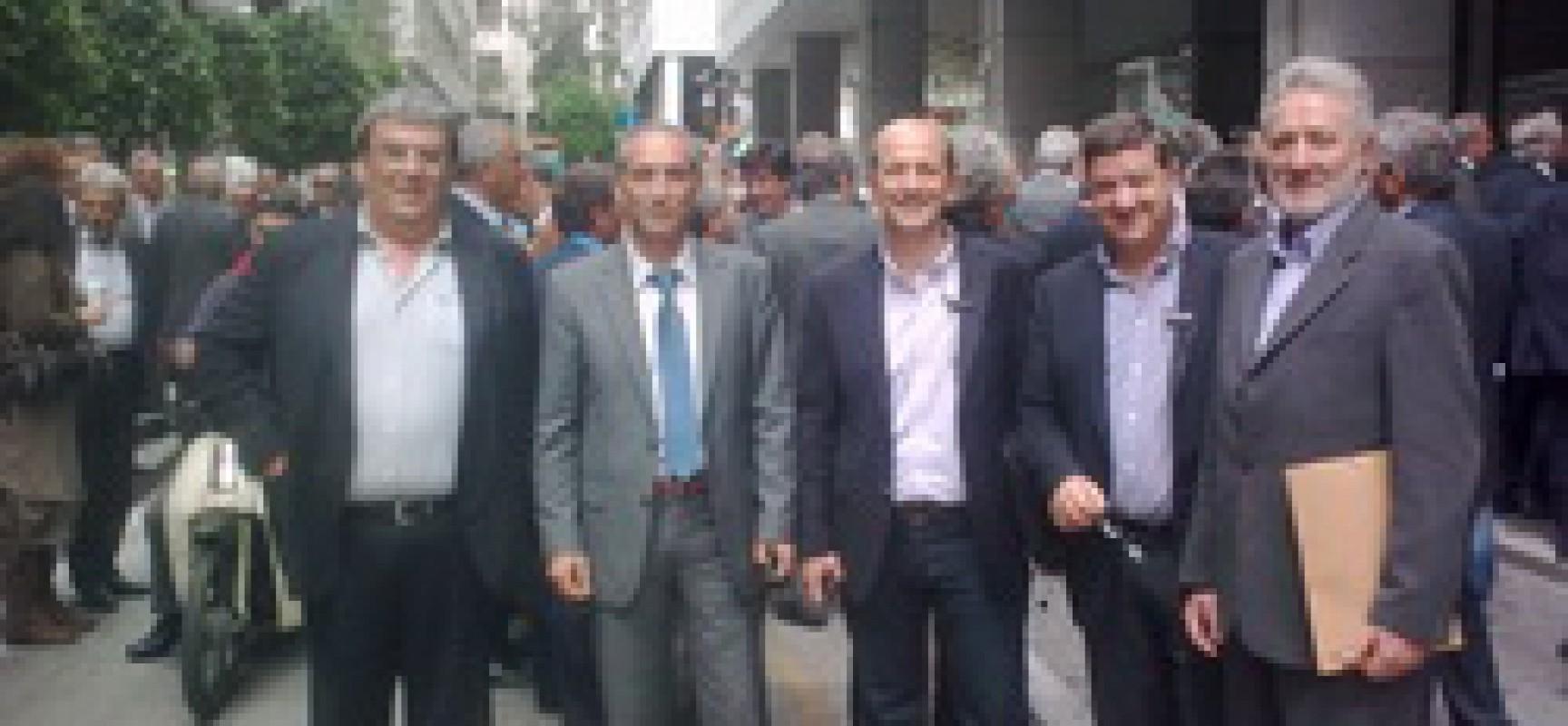 Δελτίο Τύπου: Οι Καρδιτσιώτες Δήμαρχοι διεκδίκησαν ενιαία τα συμφέροντα των Δήμων στο συνέδριο της ΚΕΔΕ