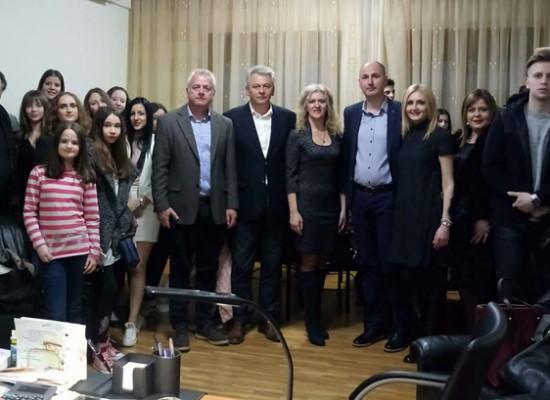 Μαθητές της πόλης Νις της Σερβίας επισκέφθηκαν τον Δήμαρχο Σοφάδων